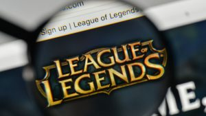 Milan, Italy - November 1, 2017: League of Legends logo on the website homepage. fotó: 123rf.com